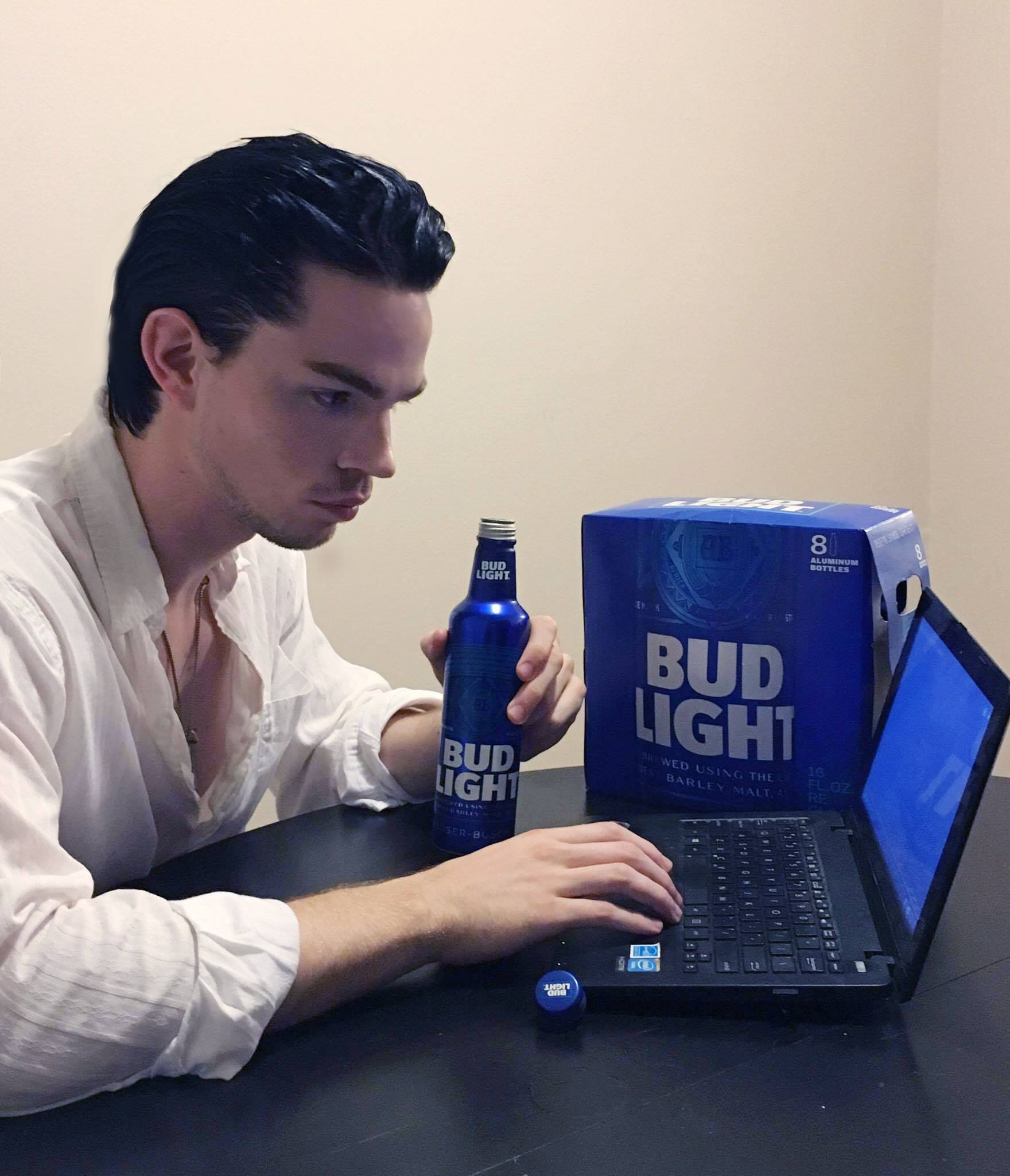 @isaiahgmusic's snapchat picture for budlight